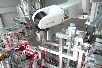 Case Study DYMACO Robots for Automotive Industry | DENSO Robotics Europe
